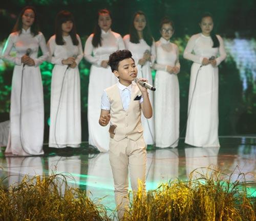 dúc phúc nhảy múa tung bùng cùng thí sinh giong hat viet nhi 2015 - 6