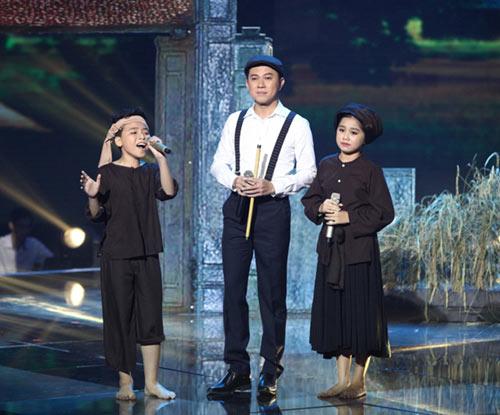 dúc phúc nhảy múa tung bùng cùng thí sinh giong hat viet nhi 2015 - 10