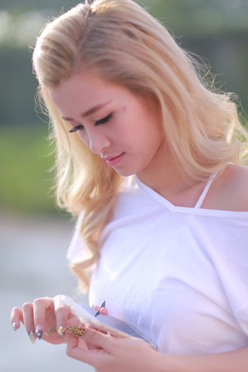 """dong nhi cuoi tit mat """"selfie"""" cung fan - 7"""