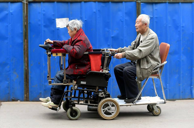 nguong mo nguoi chong 40 nam day xe lan cho vo - 2