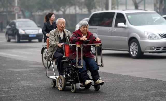 nguong mo nguoi chong 40 nam day xe lan cho vo - 3
