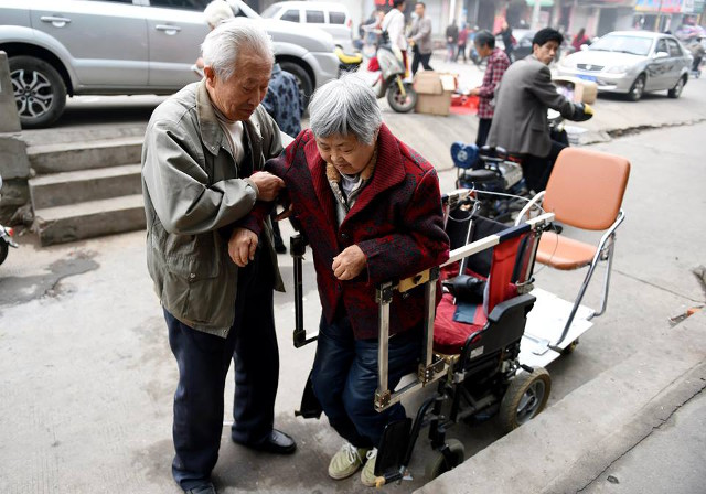 nguong mo nguoi chong 40 nam day xe lan cho vo - 5