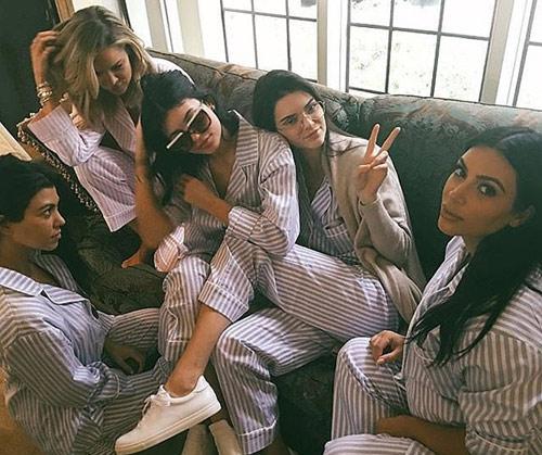 Kim Kardashian mở tiệc trước ngày sinh em bé-3