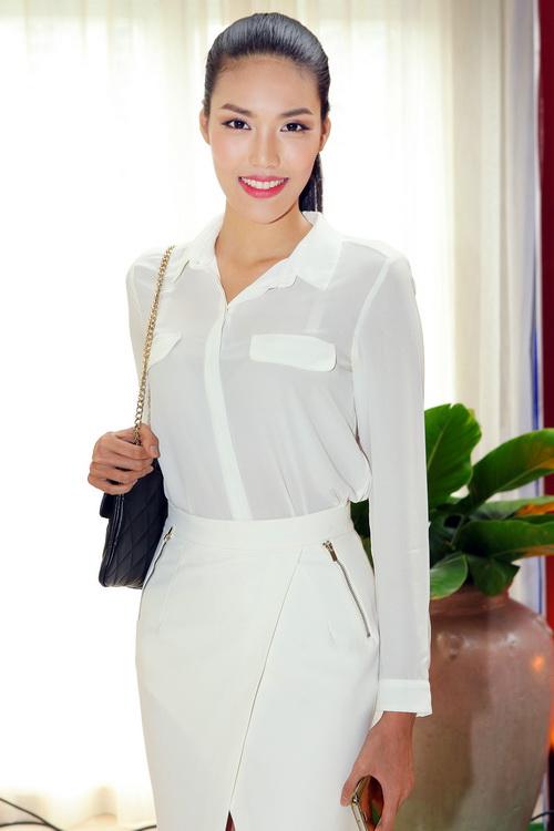 Bebe Phạm hạnh phúc bên ông xã Dustin Nguyễn-12