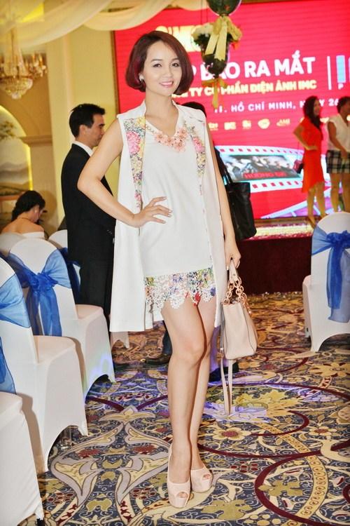 Bebe Phạm hạnh phúc bên ông xã Dustin Nguyễn-5