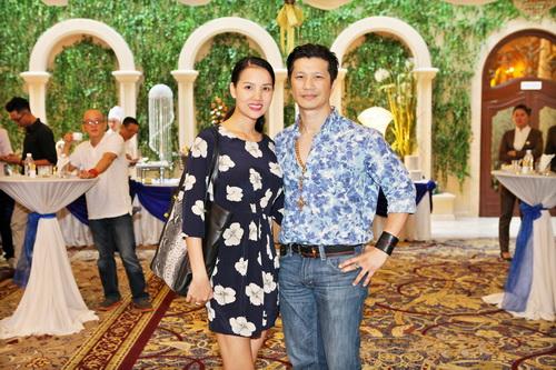 Bebe Phạm hạnh phúc bên ông xã Dustin Nguyễn-1