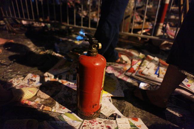 Hiện trường vụ cháy nhà 4 tầng trên phố cổ Hàng Mã-9