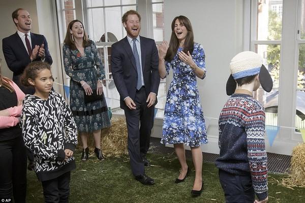 """Công nương Kate bị Hoàng tử William """"đánh bại""""-4"""