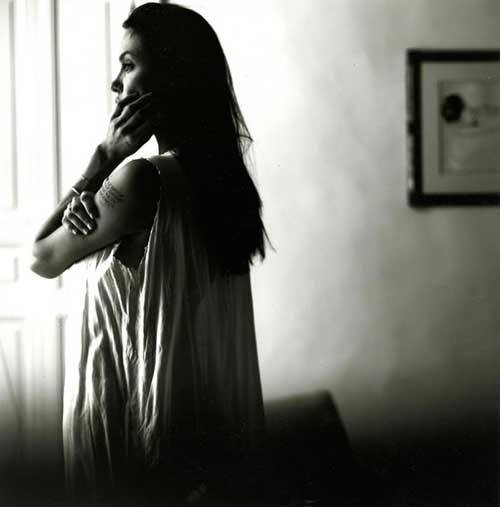 Angelina đẹp mơ màng qua ống kính của Brad Pitt-12
