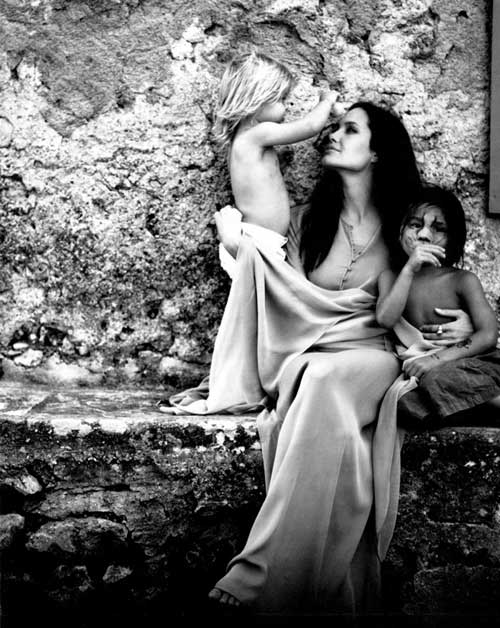 Angelina đẹp mơ màng qua ống kính của Brad Pitt-7