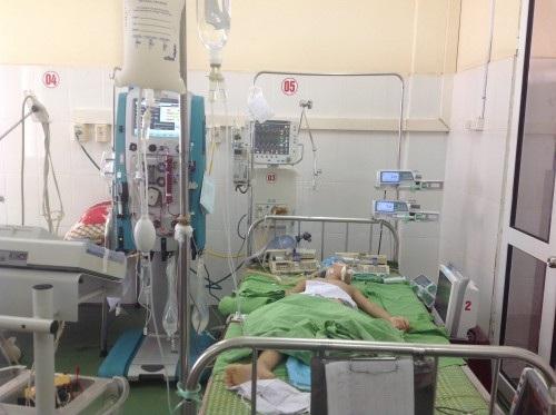 """Chuyến xe """"thần tốc"""" cứu sống bé gái bị viêm cơ tim cấp-1"""