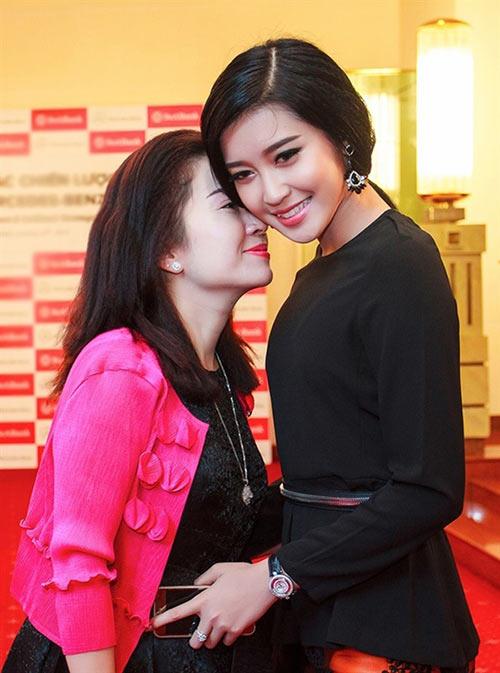 """nhung my nhan showbiz luon """"ke ke"""" ben me - 4"""