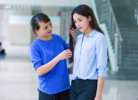 """nhung my nhan showbiz luon """"ke ke"""" ben me - 3"""