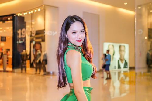 huong giang idol lung tung vi mac quan bo chen - 1