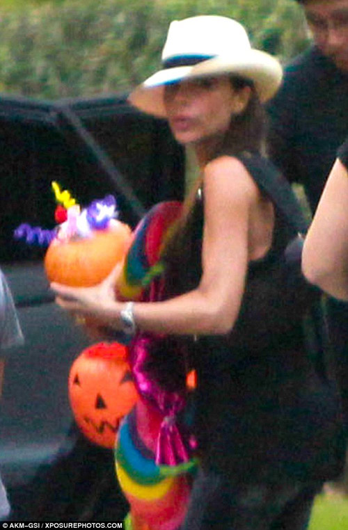 harper dien do diem dua di don halloween - 4