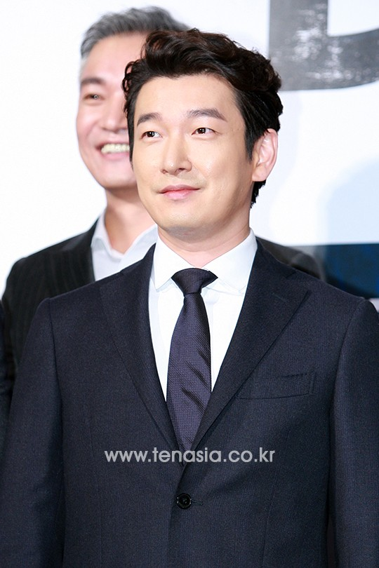 lee byung hun tuoi roi, banh bao trong buoi ra mat phim - 4