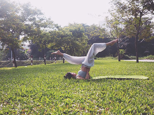 ba me 2 con sai thanh dang sieu dep nho tap yoga - 8