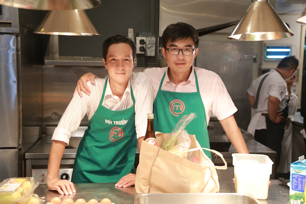 masterchef vn: ap luc cang thang, pham tuyet muon danh lon voi quoc viet - 3