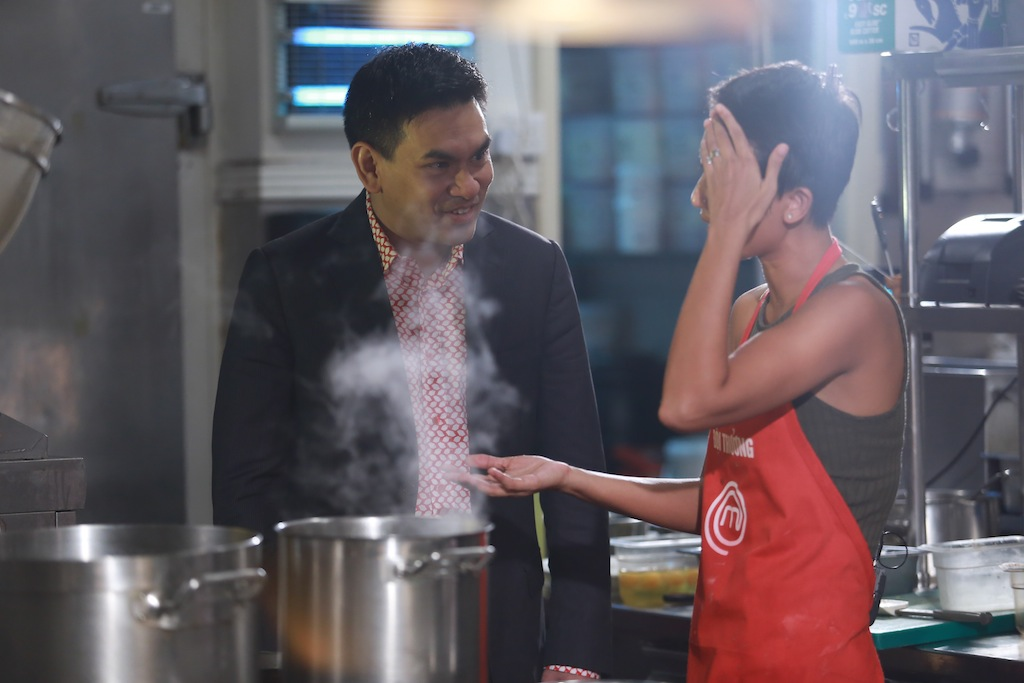 masterchef vn: ap luc cang thang, pham tuyet muon danh lon voi quoc viet - 5