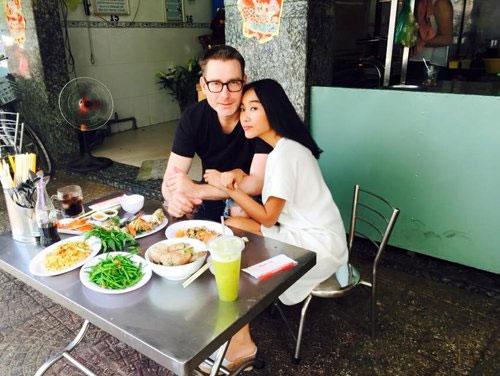 tu long hanh phuc trong tiec day thang cua con gai - 7