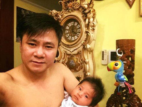 tu long hanh phuc trong tiec day thang cua con gai - 1