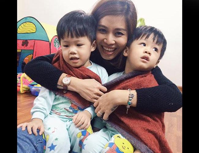 Hoàng Linh là MC quen thuộc của chương trình 'Chúng tôi là chiến sĩ', còn Trung Nghĩa là người dẫn chương trình dí dỏm của 'Cà phê sáng' và 'Đừng để tiền rơi' trên VTV3.  Cặp đôi kết hôn năm 2012. Sau khi cưới được 8 tháng, Hoàng Linh mang song thai và sinh ra một cặp sinh đôi rất kháu khỉnh, dễ thương.  Cậu anh được đặt tên là Minh Tuệ tên gọi ở nhà là Gato (bánh), cậu em là Minh Trí, tên ở nhà là BonBon (kẹo).