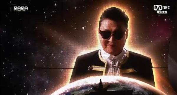 "big bang ""am"" 4 giai thuong danh gia nhat tai mama 2015 - 1"