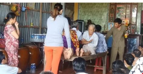 lat tay thay lang chua benh bang… nuoc la - 1