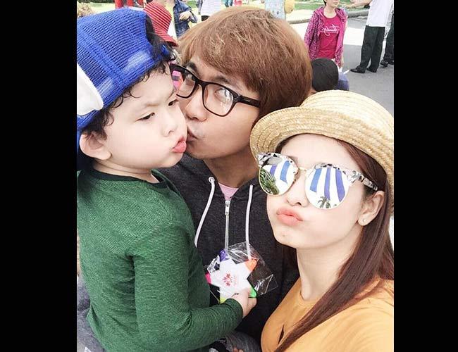 Dù mới 3 tuổi nhưng Sushi- tên thường gọi của con trai Trương Quỳnh Anh và Tim đã có tiếng là một trong những nhóc tì sành điệu nhất showbiz Việt