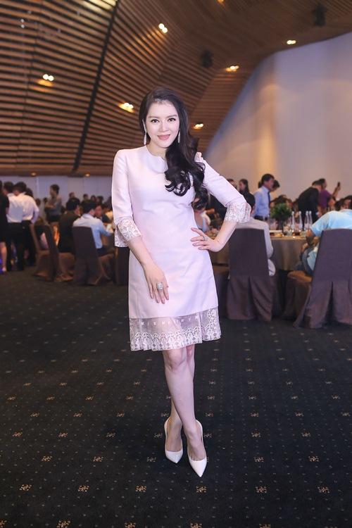 angela phuong trinh dien vay xinh nhu cong chua - 6