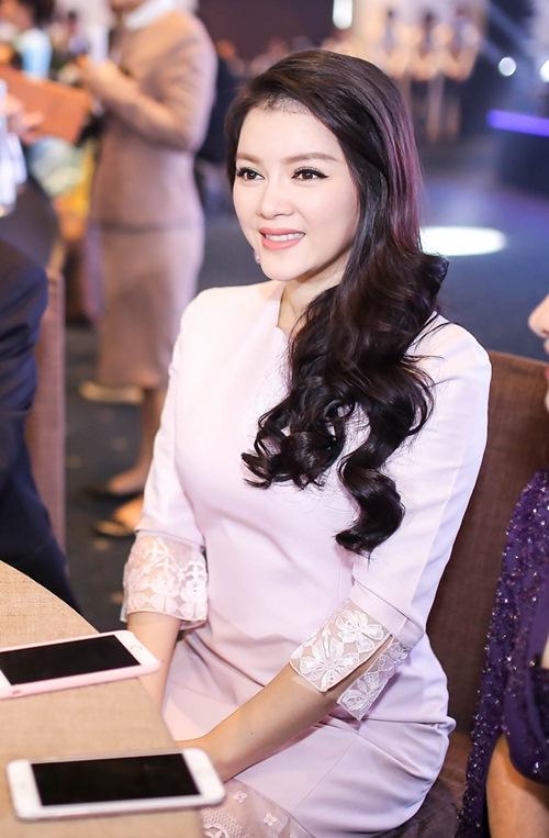angela phuong trinh dien vay xinh nhu cong chua - 7