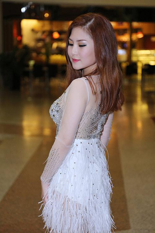 huong tram lay khan lam ao tat bat chay show - 5
