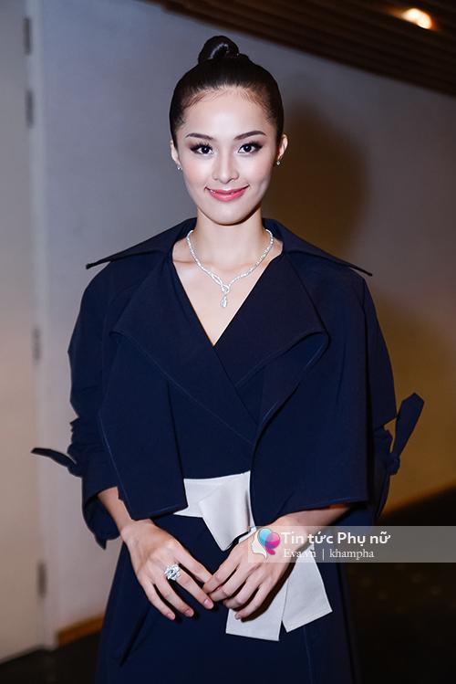 tham do elle show: ban gai cuong do la kin bung van lan at cac sao viet - 1