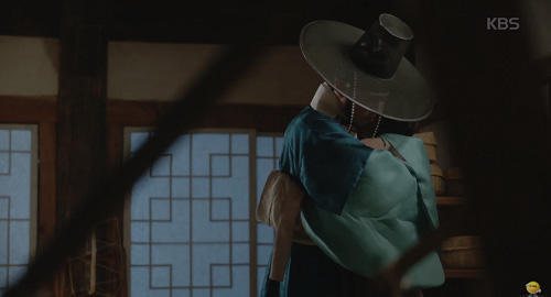 """Mây họa ánh trăng tập 14: Park Bo Gum """"nhìn gà hóa cuốc"""" vì nhớ người yêu-10"""