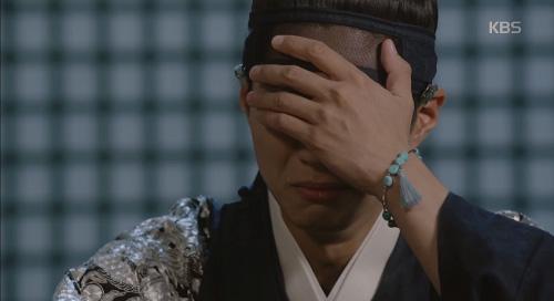 """Mây họa ánh trăng tập 14: Park Bo Gum """"nhìn gà hóa cuốc"""" vì nhớ người yêu-2"""