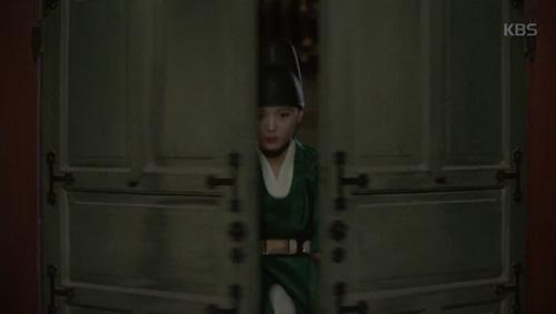"""Mây họa ánh trăng tập 14: Park Bo Gum """"nhìn gà hóa cuốc"""" vì nhớ người yêu-6"""