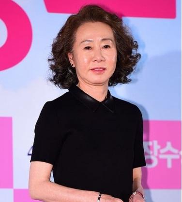 5 sao nữ Hàn chấp nhận diễn cảnh nóng với đàn em đáng tuổi con mình-1