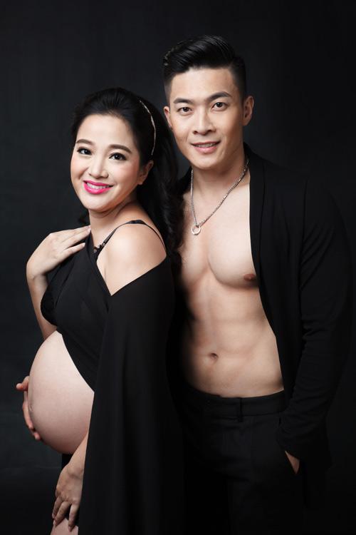 Bộ ảnh bế bụng bầu làm xiếc tuyệt đẹp của vợ chồng 'hoàng tử xiếc Việt'-8