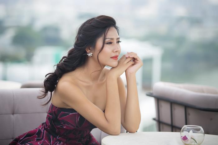 Nguyễn Thị Loan phản pháo nghi vấn tu sửa nhan sắc trước khi thi hoa hậu - 9