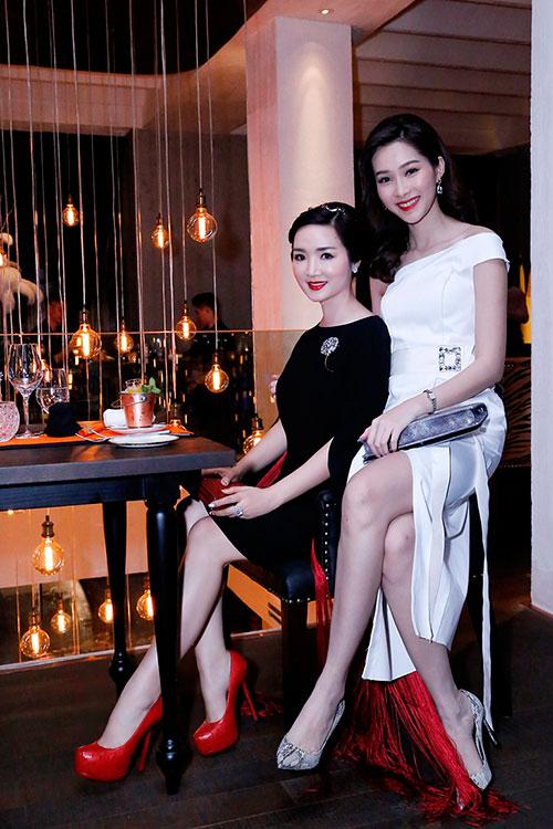Hoa hậu Giáng My đẹp kiêu sa đọ sắc cùng Đặng Thu Thảo-2