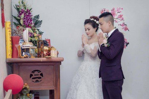 """Mỹ nhân """"lẳng lơ"""" nhất màn ảnh Việt cưới lần 4 với chú rể kém tuổi-1"""