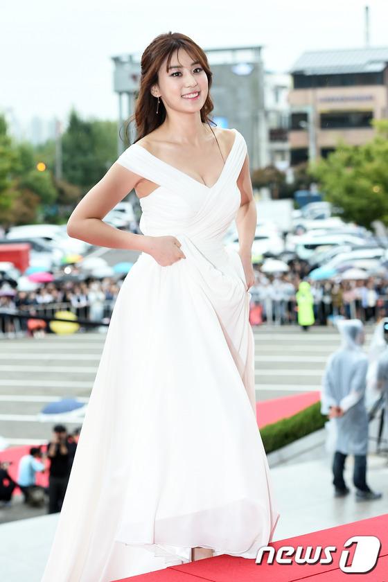 """Song Joong Ki, Song Hye Kyo """"ngó lơ"""" với giải thưởng """"Emmy của Hàn Quốc""""-12"""