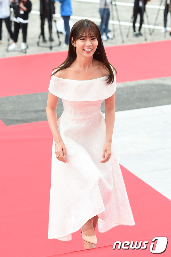 """Song Joong Ki, Song Hye Kyo """"ngó lơ"""" với giải thưởng """"Emmy của Hàn Quốc""""-10"""