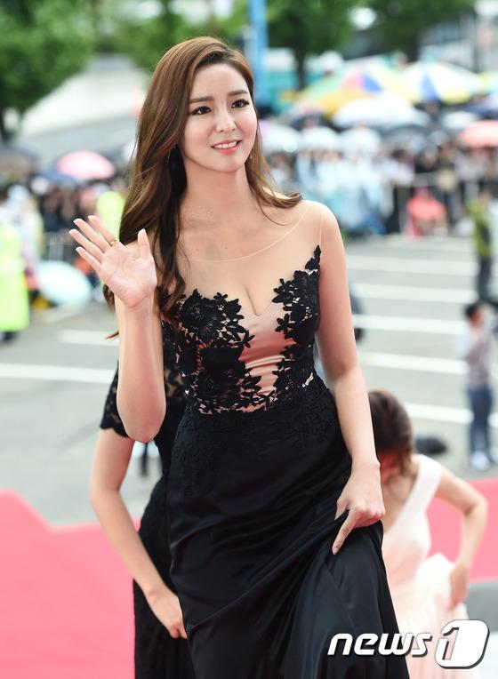 """Song Joong Ki, Song Hye Kyo """"ngó lơ"""" với giải thưởng """"Emmy của Hàn Quốc""""-11"""