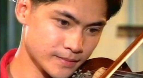 "cuoc song di khap the gioi cua sao ""xin hay tin em"" - 1"