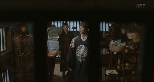 may hoa anh trang tap 16: co ai ngo, kim yoo jung lai thoat chet bang cach nay - 5