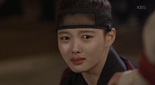 may hoa anh trang tap 16: co ai ngo, kim yoo jung lai thoat chet bang cach nay - 8