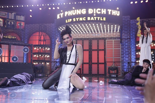 ky phung dich thu: phi thanh van lo vong 2 to bat thuong tren song truyen hinh - 14