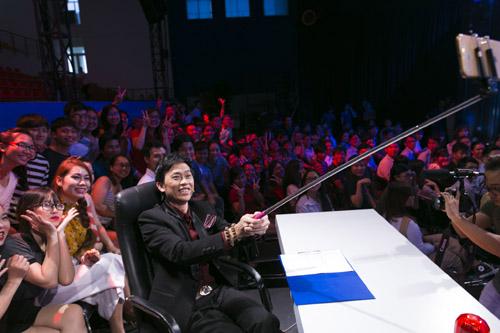 on gioi 2016: hoai linh 'cute lac loi', sam 'gay tu suong' selfie cung fan - 5