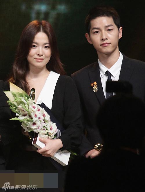 ngoi sao 24/7: song hye kyo tang can, gia nua khi dung canh song joong ki - 1